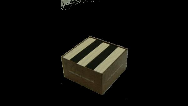 kispac boite noir et blanc kispac planchettes de jeu en bois 200